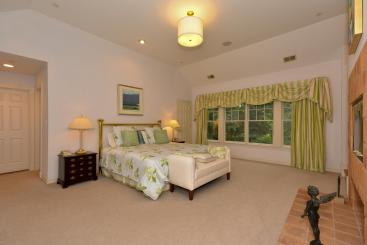 32 Northbrook Ln Irvington NY-large-012-Master Bedroom-1496x1000-72dpi