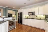 020-Kitchen-1555692-mls
