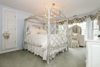 037-Bedroom-1555710-mls