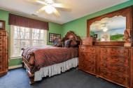 039-Bedroom-1555712-mls