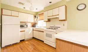 136 E Sunnyside Ln Irvington-small-005-Kitchen-666x399-72dpi
