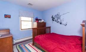 136 E Sunnyside Ln Irvington-small-010-Bedroom-666x404-72dpi