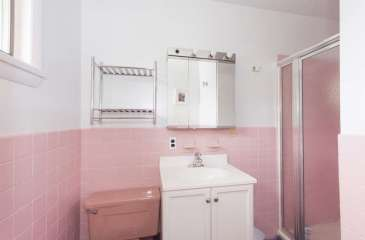 136 E Sunnyside Ln Irvington-small-027-Bathroom-666x438-72dpi