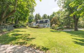 61 Riverview Rd Irvington NY-small-020-Back Yard-666x424-72dpi